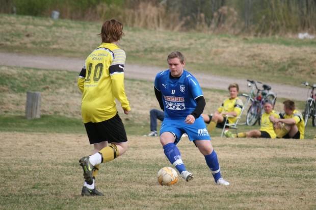 Thomas Berntsson gjorde inget mål i träningsmatchen mot Jössefors, men mot Skattkärr på lördageftermiddagen blev Tompa målskytt då han satte 2-4 i den 82:a minuten.
